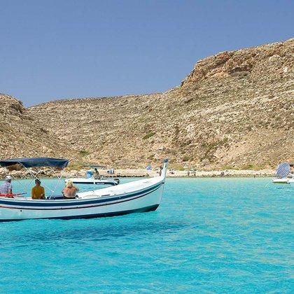 Matrimonio In Spiaggia Lampedusa : Isola di lampedusa un luogo magico di benessere per una vacanza